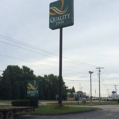 Photo taken at Quality Inn by Ivan P. on 8/28/2014