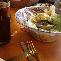 Photo taken at Olive Garden by Maria S. on 8/7/2013