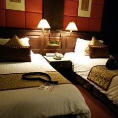 Photo taken at Chaophya Park Hotel (โรงแรมเจ้าพระยาปาร์ค) by Natchaya P. on 1/27/2016