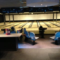 Photo taken at Party & Bowling De Worp Deventer by Karin H. on 2/2/2013