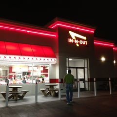 Photo taken at In-N-Out Burger by Tom M. on 2/24/2013