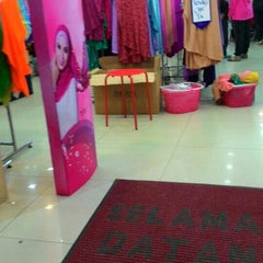 Photo taken at Ariani Boutique ( Scarf & Shawl ) by Dewi P. on 7/5/2015