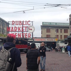 Photo taken at Pike Place Fish Market by Mariane D. on 7/8/2013