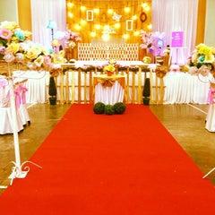 Photo taken at Dewan Jubli Perak by Evariena H. on 12/21/2013