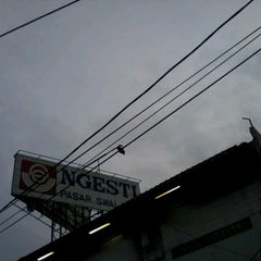 Photo taken at Ngesti Pasar Swalayan by dwi j. on 1/14/2013