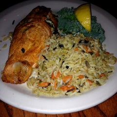 Photo taken at Snappers Seafood Restaurant by Marisa R. on 3/21/2015