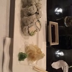 Photo taken at Sushi Ajito by Elvira E. on 10/8/2015