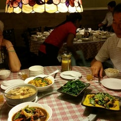 Photo taken at Organic Express - Meat Free Dining Experience - TCH by NiCole T. on 9/7/2014