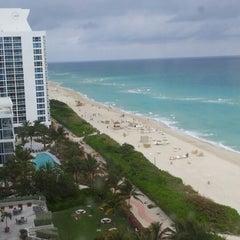 Photo taken at Deauville Beach Resort by Douglas Queiroz B. on 12/28/2012
