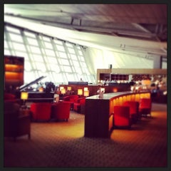 Photo taken at Asiana Airlines Business Lounge by Shinji K. on 5/28/2013