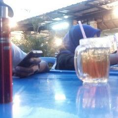 Photo taken at Dusun Bay Restaurant & Cafe by Nadhirul H. on 6/27/2015