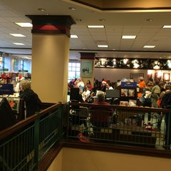 Photo taken at Barnes & Noble by Jerry T. on 12/13/2014