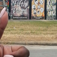 Photo taken at Fifth Ward by Delicious on 9/17/2014