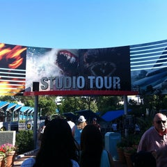 Photo taken at King Kong 360 3-D by Cesar S. on 10/17/2012