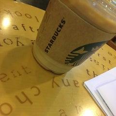 Das Foto wurde bei Starbucks von Jeonghwan L. am 10/9/2012 aufgenommen