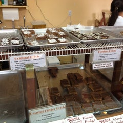 Photo taken at Kauai Chocolate Company by Arief Mulya R. on 9/8/2013
