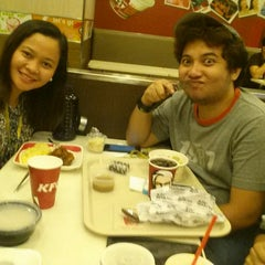 Photo taken at KFC by Faye Angeline M. on 11/28/2014