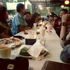 Photo taken at Resep Moyang Cafe & Resto by Dea Mutiara S. on 7/24/2013