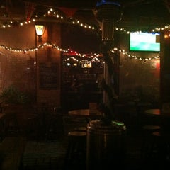 Photo taken at Vértigo Beer Pub by Carlos V. on 12/6/2012