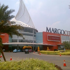 Photo taken at Margo City by Deekey デイツキー A. on 9/16/2012