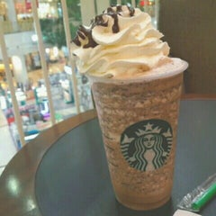 Photo taken at Starbucks (สตาร์บัคส์) by Natnicha U. on 4/3/2015
