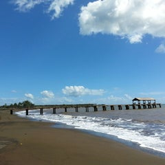 Photo taken at Waimea Recreation Pier by ernie e. on 10/28/2014