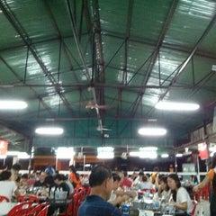 Photo taken at ร้านชัยโภชนา by Pakorn V. on 8/9/2015