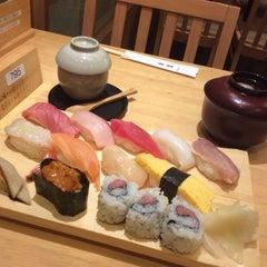 Photo taken at 銀蔵 浜松町店 by Takeru on 2/11/2014