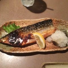 Photo taken at Daruma Japanese Restaurant by Miho K. on 8/9/2015