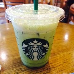Photo taken at Starbucks by 다도 백. on 9/9/2015