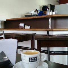 Photo taken at Café da Barra by Fabio V. on 8/25/2015