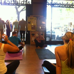 Photo taken at lululemon athletica by Larry Chiang C. on 6/2/2013