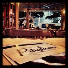 Photo taken at Pitigliano Pizzaria by Mineirinho J. on 11/15/2012
