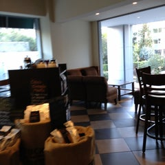 Photo taken at Starbucks by Jorge H. on 10/28/2012