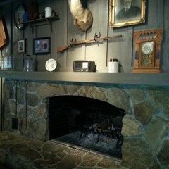 Photo taken at Cracker Barrel Old Country Store by Leimomia M. on 1/19/2013