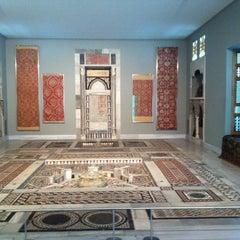 Photo taken at Μουσείο Ισλαμικής Τέχνης by Christiana .. on 10/23/2013