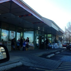 Photo taken at Dunkin' Donuts by Alexander C. on 1/19/2013