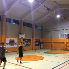 Photo taken at Zehra Gürbüz Spor Salonu by Ahmet P. on 5/17/2016