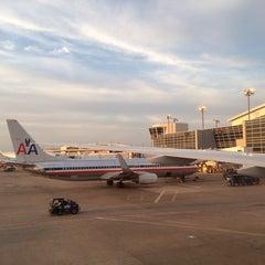Photo taken at Gate D25 by Tathiany C. on 4/12/2014
