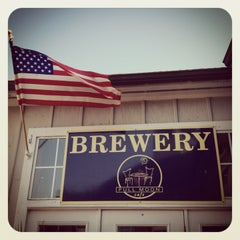 Photo taken at Full Moon Cafe & Brewery by Tim on 8/4/2013