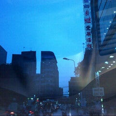 Photo taken at Ái Huê Restaurant 愛華酒樓 by Tuan-Anh L. on 4/23/2014
