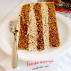 Photo taken at Secret Recipe by Amirah A. on 2/3/2015
