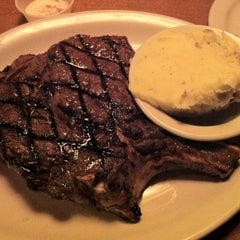 Photo taken at Texas Roadhouse by Rick S. on 3/24/2013