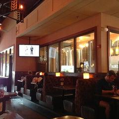Photo taken at Gordon Biersch Brewery Restaurant by 🇬🇧Alphonso G. on 4/7/2013