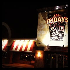 Photo taken at TGI Fridays by Alessandro M. on 4/1/2013