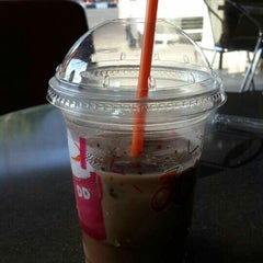 Photo taken at Dunkin' Donuts by Erwinda S W. on 8/26/2015