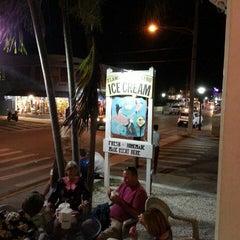 Photo taken at Flamingo Crossing Ice Cream by Vik K. on 12/29/2014