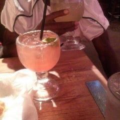 Photo taken at Logan's Roadhouse by Jasmine H. on 9/11/2015