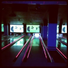 Photo taken at Frames Leisure Time Bowl by Michael B. on 11/14/2012