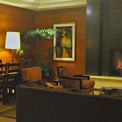 Photo taken at The Heathman Hotel Kirkland by Dana C. on 3/21/2013